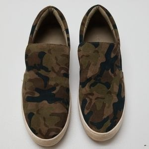 J/SLIDES HARRY GREEN CAMO SUEDE SLIP ONS